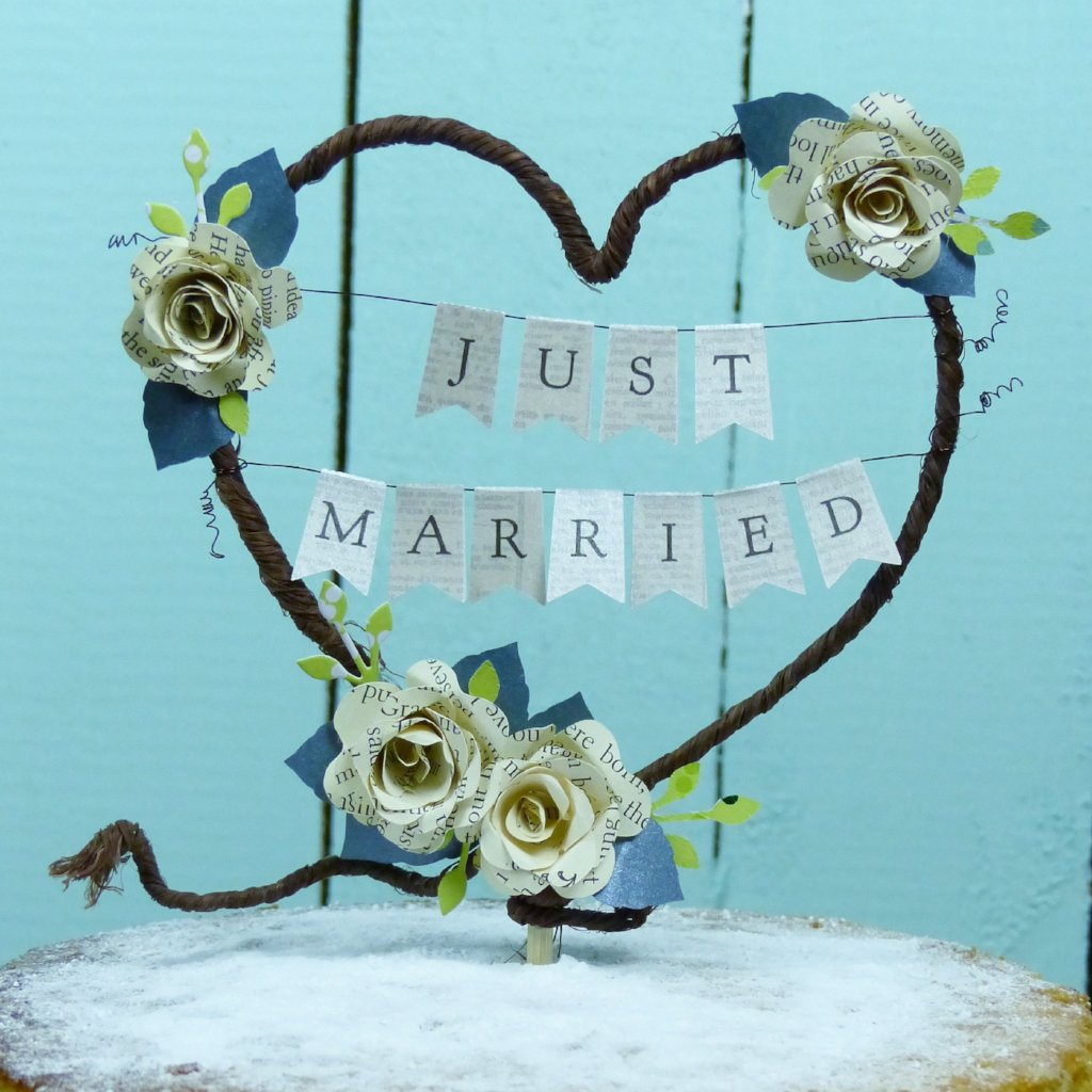 Just married cake topper book theme