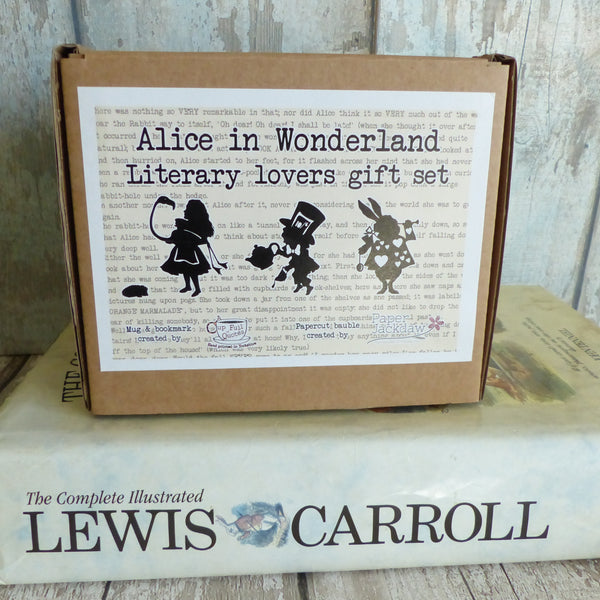Alice in Wonderland Readers boxed gift set