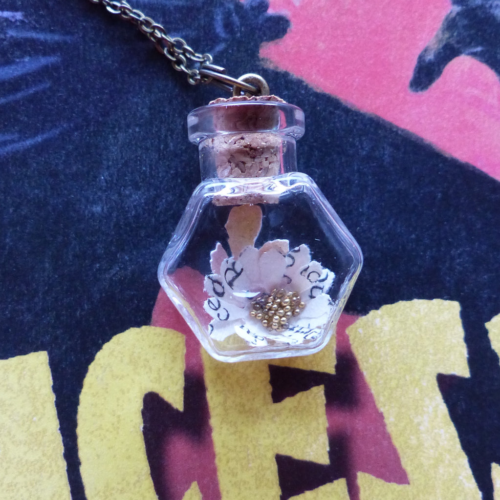 The Princess Bride daisy necklace
