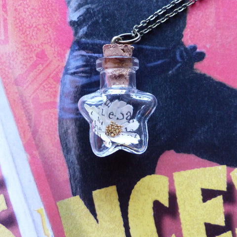 The Princess Bride daisy necklace star bottle