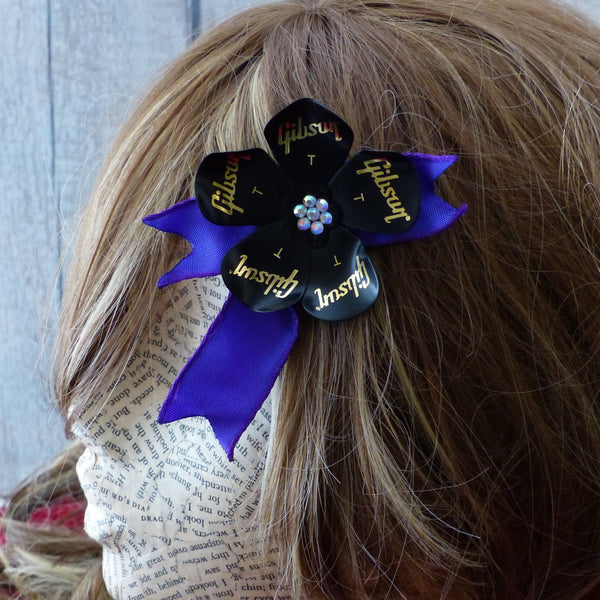 Guitar plectrum black and purple dual clip flower