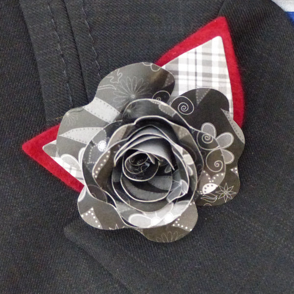 Black & red buttonhole