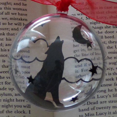 Howling wolf silhouette bauble