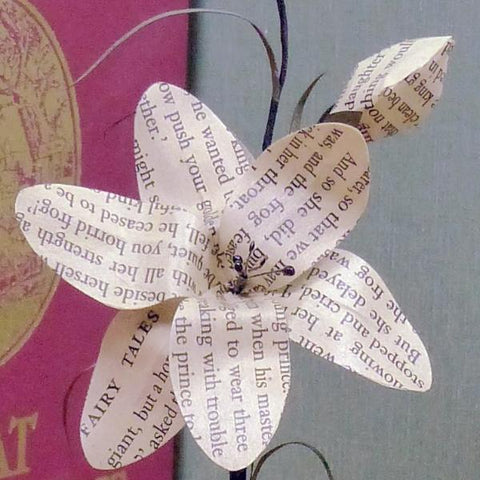 Paper flower book lovers gift