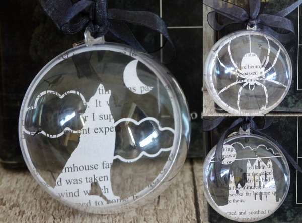 Whitby book bauble gift set