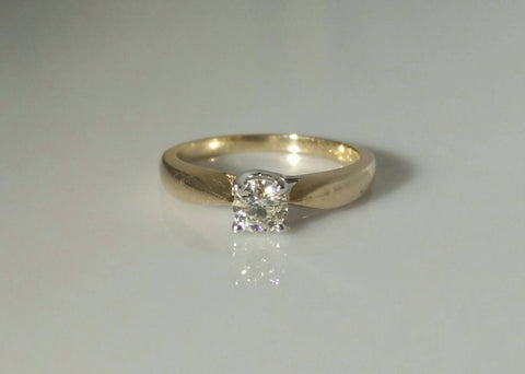 Stunning 0.40ct Diamond Engagement Ring.
