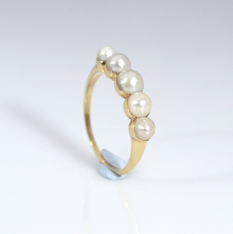 Beautiful 18ct Gold Victorian 5 Pearl Band