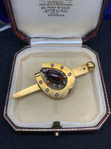 15ct Gold Victorian Nail and Horse Shoe Garnet Brooch