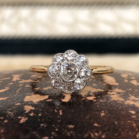 18ct Edwardian daisy cluster ring