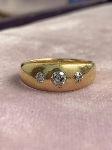 18ct Three Stone Diamond Band 1907
