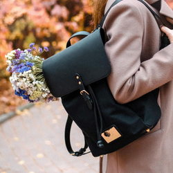 Clässy Black - Elegant Backpack for 13