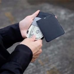 MAG Wallet -  The wallet made with a touch of magic - Allocacoc - Storming Gravity