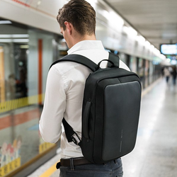 Bobby Bizz - The Best Business Briefcase and Backpack - XD Design - Storming Gravity
