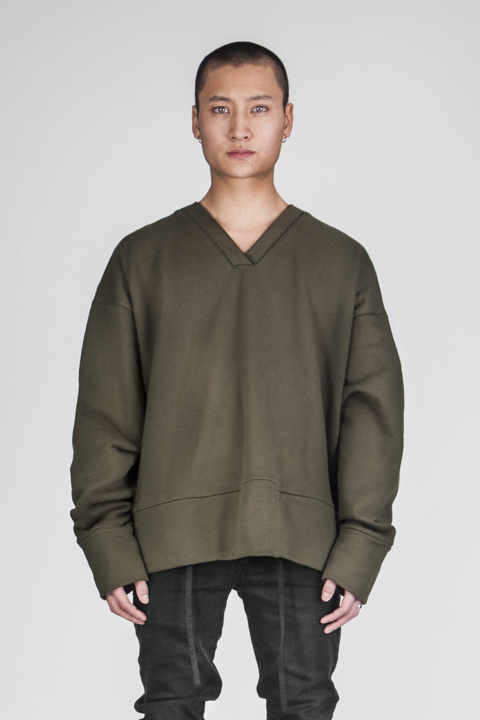 Oversize forest V-neck sweater