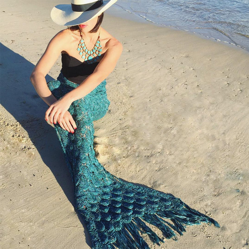 Mermaid Tail Blanket in Teal Gorgeous Knit