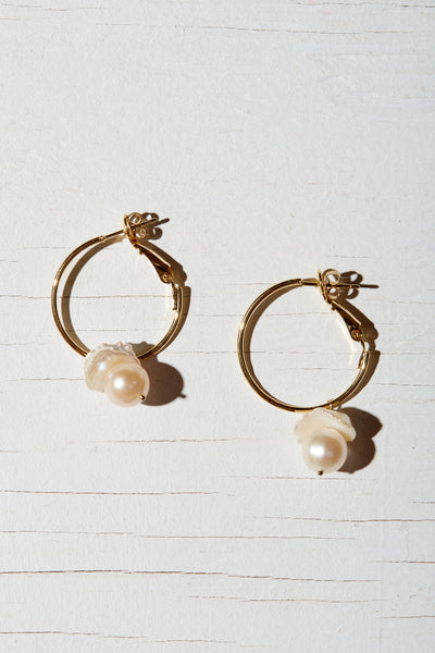 EUITGEL PEARL EARRINGS