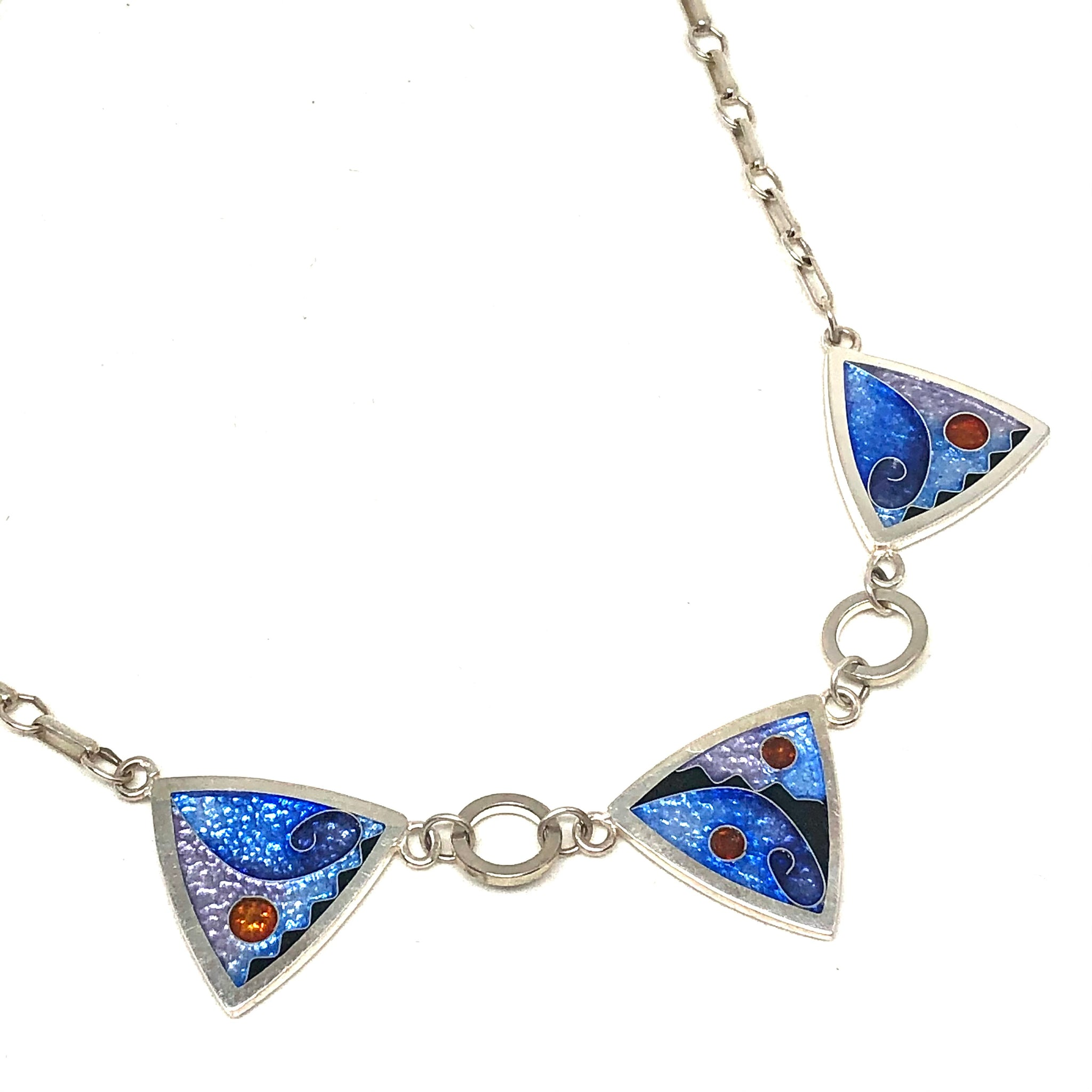 3 Triangle Necklace Ice