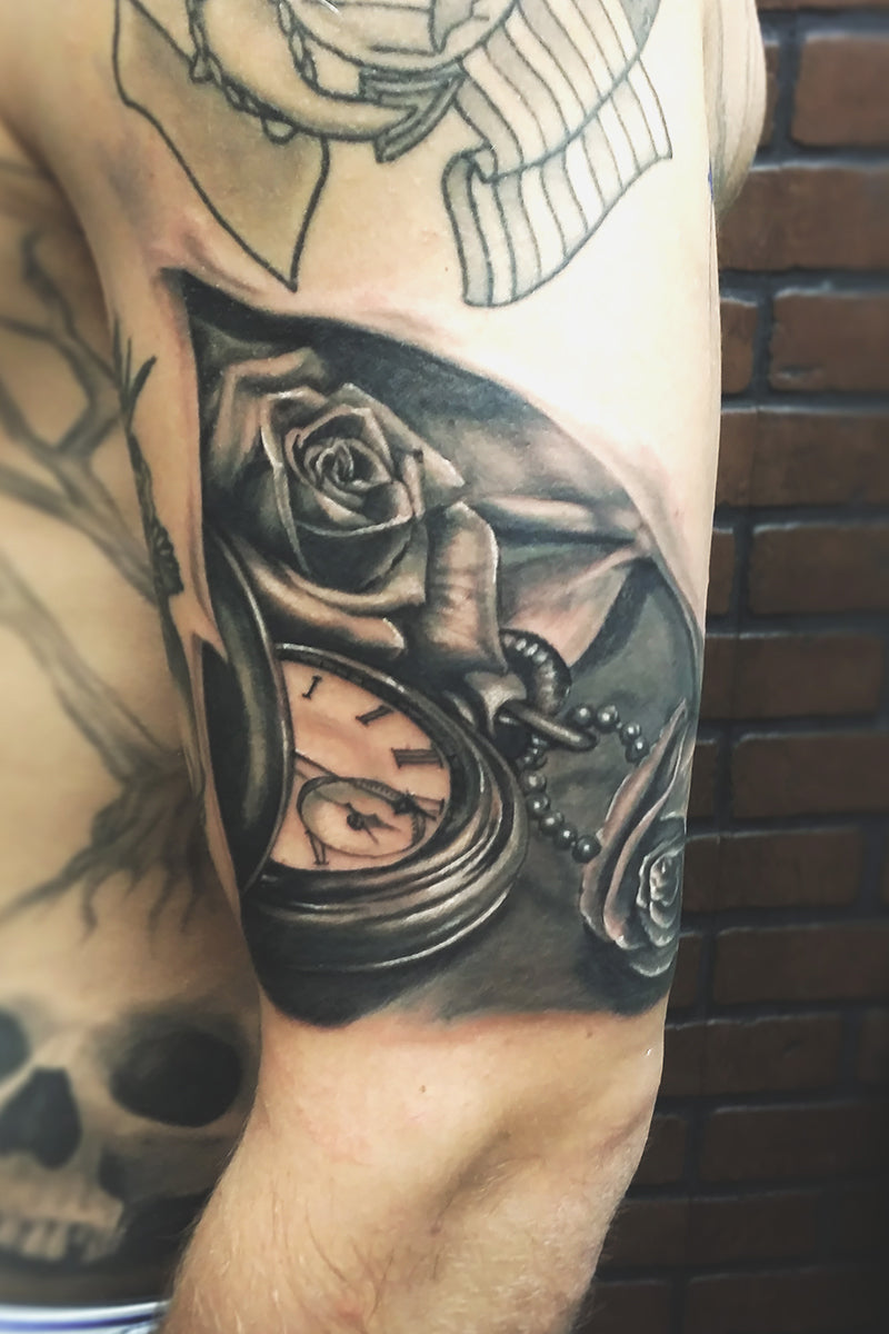 Portfolio 51 Roses and Pocket Watch Tattoo