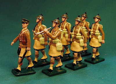 BG391C - Scottish Infantry Marching, with Helmet, Beau Geste WWI. - Piers Christian Toy Soldiers