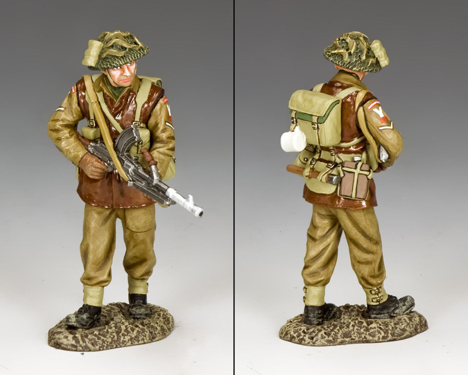 BBB005 - Walking Bren Gunner, Battle of the Bulge British, King & Country - Piers Christian Toy Soldiers - 2