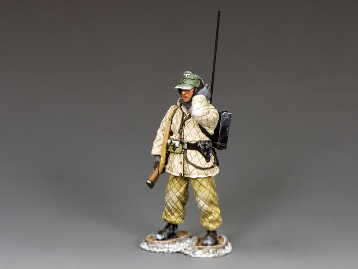 BBG106 - Fallschirmjager Radio Operator, Battle of the Bulge German - Piers Christian Toy Soldiers