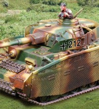 CS00831 PzKw IV J with Thoma Shurzehn, Normandy - Piers Christian Toy Soldiers