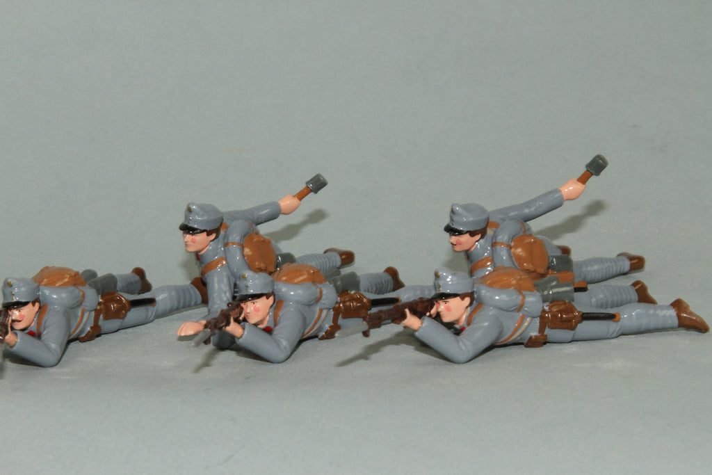 WW90E - Austrian Infantry attacking (Firing and Grenades) from Regal Toy Soldiers - Piers Christian Toy Soldiers - 1