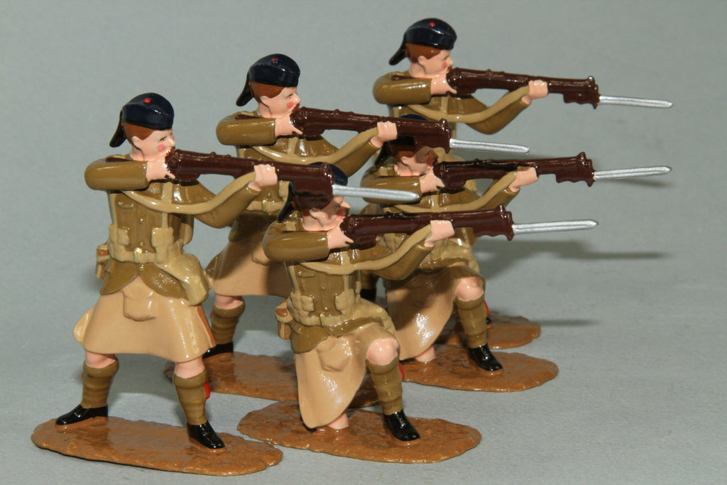 WW125 - Black Watch Firing Line  (1914) Set of five British Infantry from Regal Toy Soldiers - Piers Christian Toy Soldiers - 2