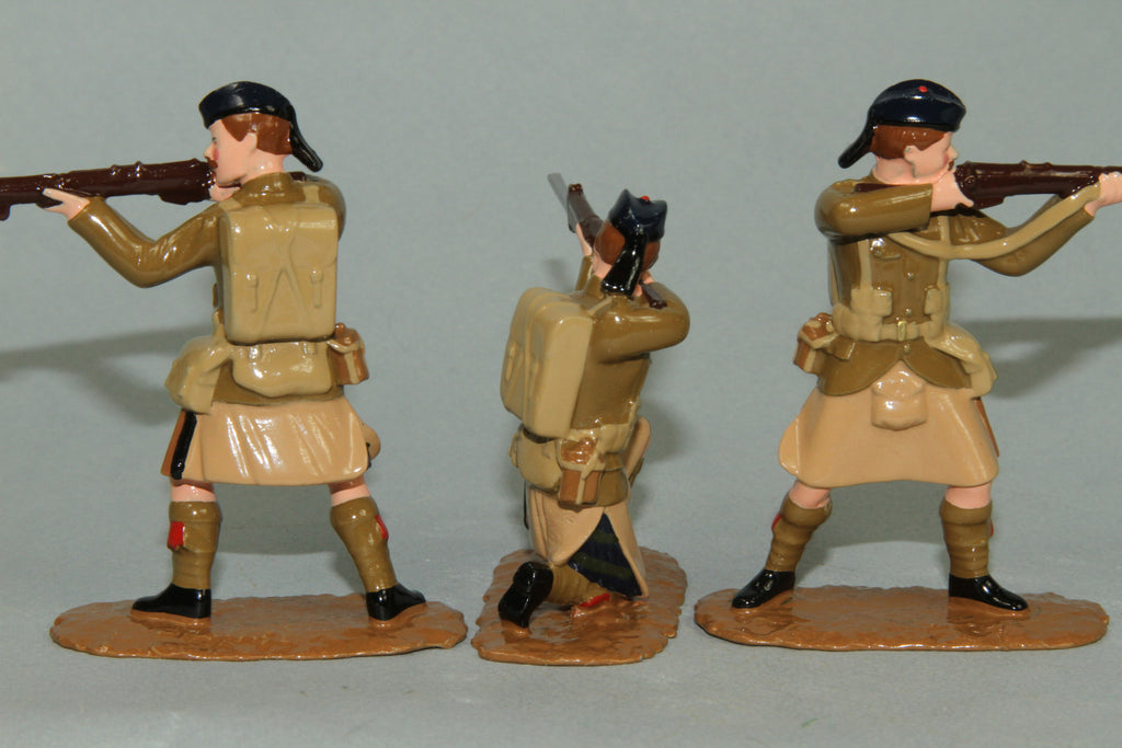 WW125 - Black Watch Firing Line  (1914) Set of five British Infantry from Regal Toy Soldiers - Piers Christian Toy Soldiers - 3