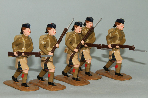 WW124 - Black Watch Advancing  (1914) Set of five British Infantry from Regal Toy Soldiers - Piers Christian Toy Soldiers - 1