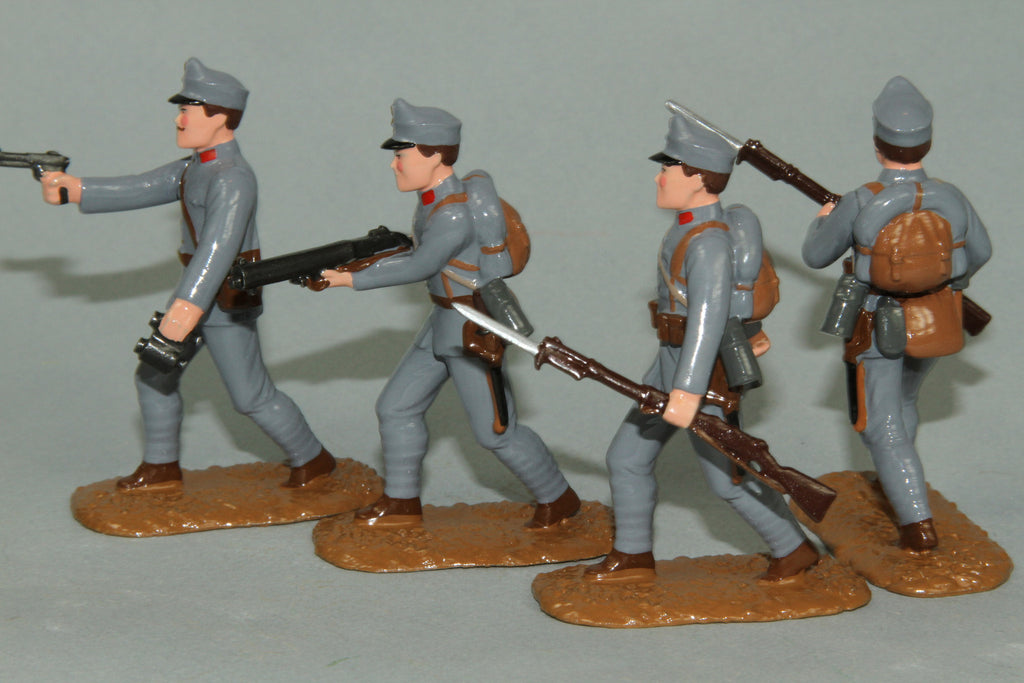 WW90C - Austrian Infantry 1915-16. Advancing Officer and troops from Regal Toy Soldiers - Piers Christian Toy Soldiers - 3