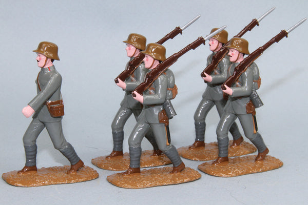 WW91F - Austrian Infantry with Stahlhelm (1916-18), from Regal Toy Soldiers - Piers Christian Toy Soldiers - 1