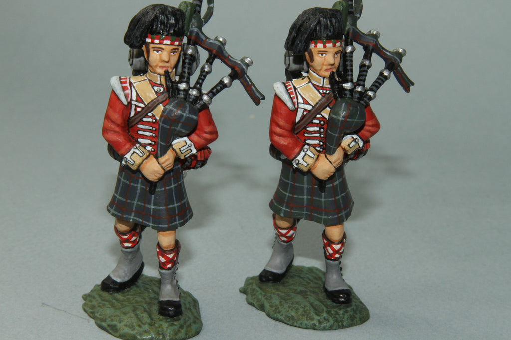 NBW8 - British Royal Highlanders Regimental Pipers. Frontline Napoleonic - Piers Christian Toy Soldiers - 1