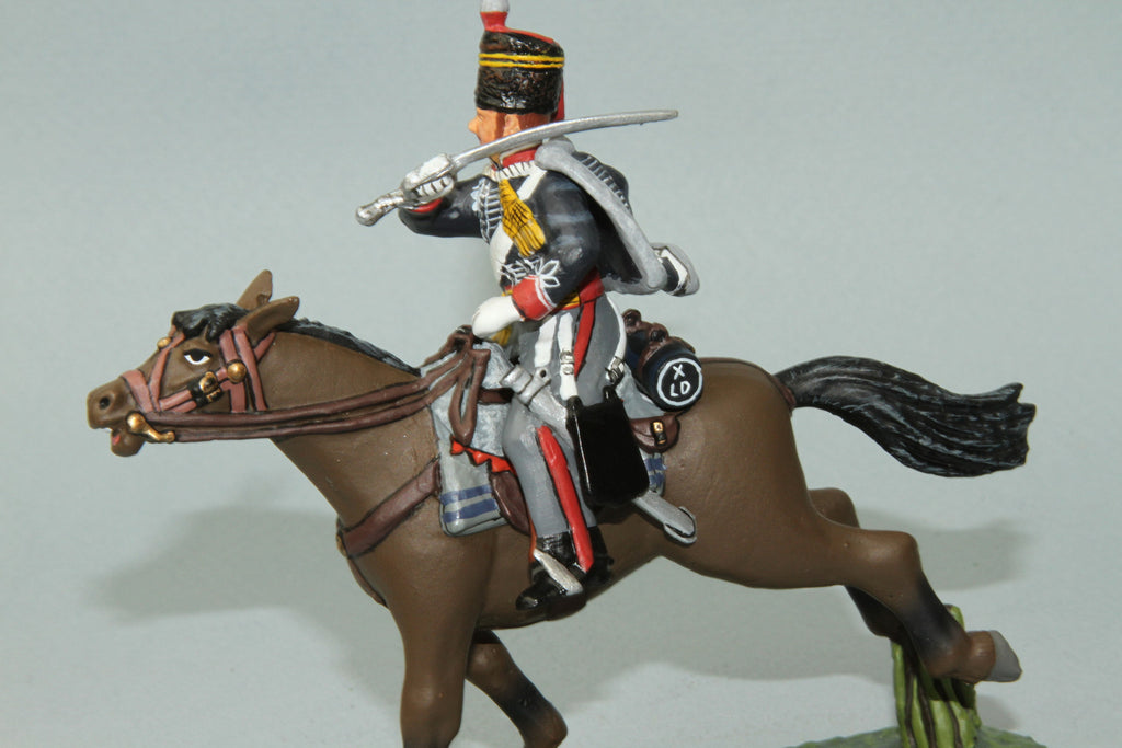 10H.1 -  Mounted British 10th Hussars Trooper Slashing across with sword. Frontline Napoleonic - Piers Christian Toy Soldiers - 2
