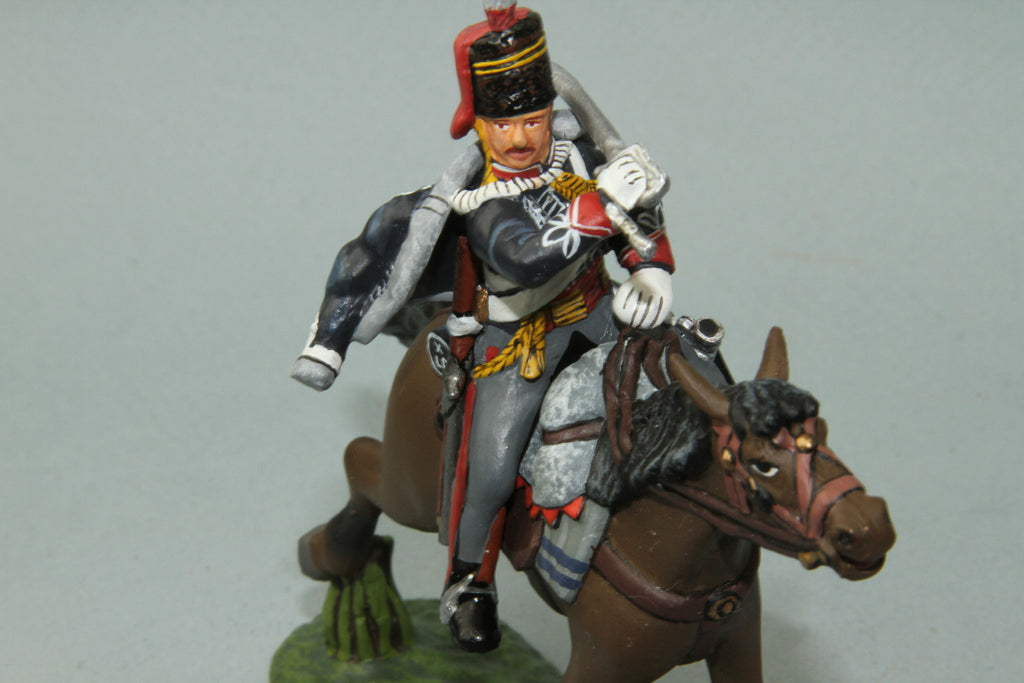 10H.1 -  Mounted British 10th Hussars Trooper Slashing across with sword. Frontline Napoleonic - Piers Christian Toy Soldiers - 3