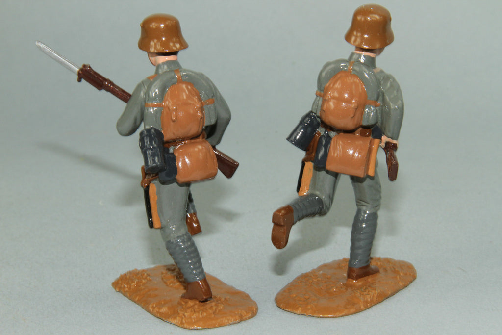 WW91B - Austrian Infantry Charging 1916-18 by Regal Toy Soldiers - Piers Christian Toy Soldiers - 3