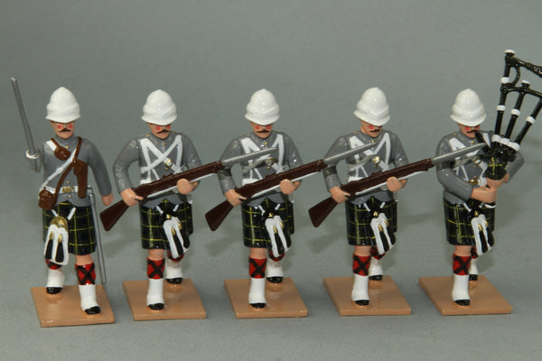 HR11E - Gordon Highlanders Advancing. From Regal Toy Soldiers - Piers Christian Toy Soldiers - 1