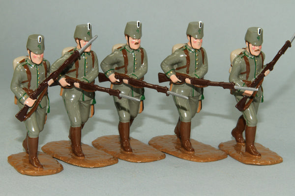 WW119 - German Jaegers Advancing, Western Front 1914. Made by Regal Toy Soldiers - Piers Christian Toy Soldiers