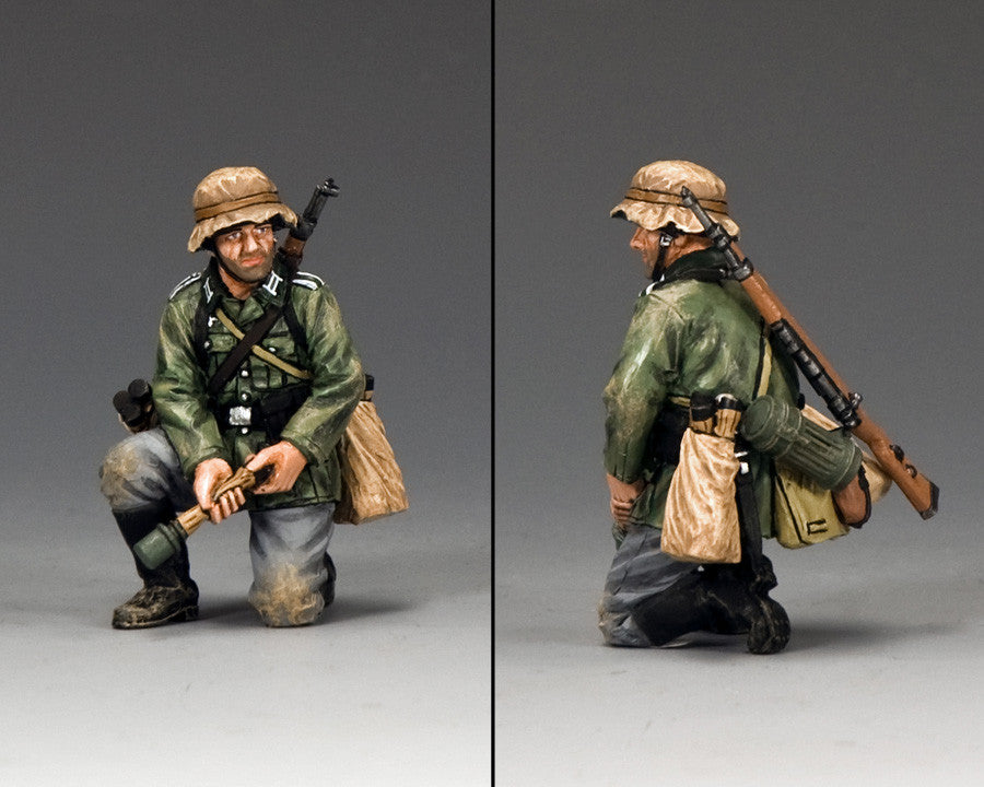 WS288 - Kneeling with Grenade, WWII Classic Germans - Piers Christian Toy Soldiers - 2