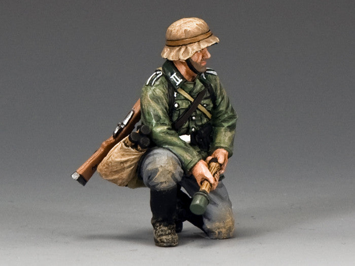 WS288 - Kneeling with Grenade, WWII Classic Germans - Piers Christian Toy Soldiers - 1