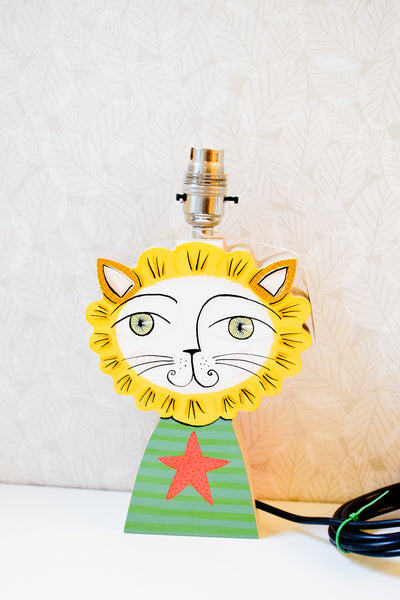 Chris the lion - plywood lamp base