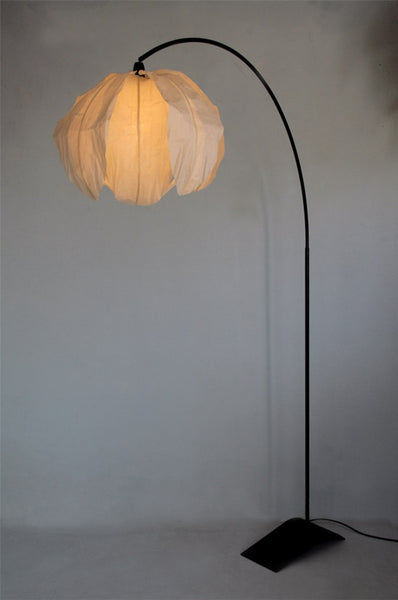 Curved Kozo Floor Lamp