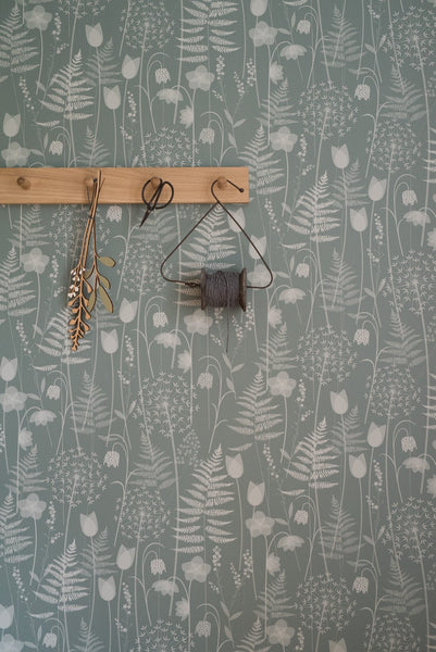 Charlotte's Garden wallpaper in Heath