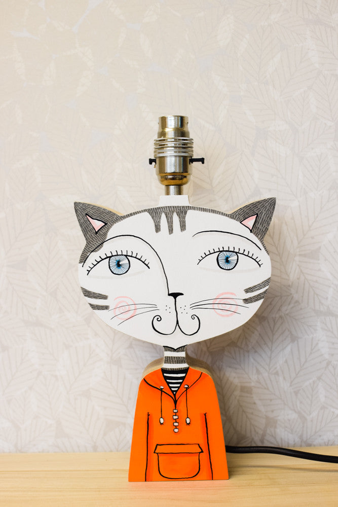 Robin the cat - plywood lamp base