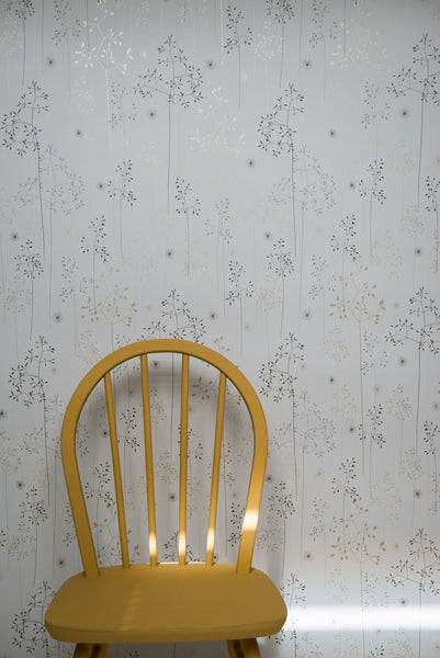 Meadow Grass Wallpaper in Grey & Gold
