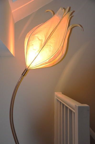 Tall Curved-Stem Faith Floor Lamp