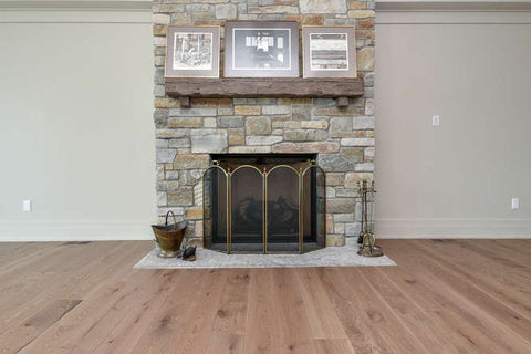 Wide Plank White Oak Light Brown