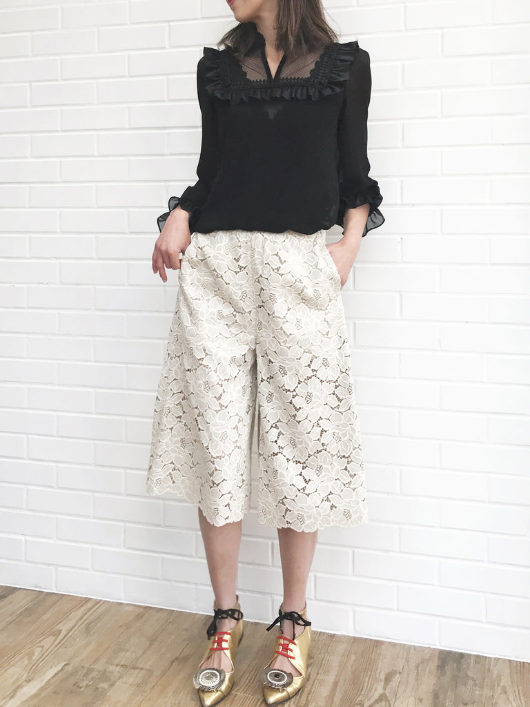 Further Sale! Sweet Ivory Lacy Culottes