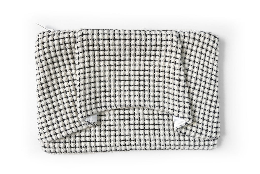 Last Chance! Elegance Ivory Tweed Pouch