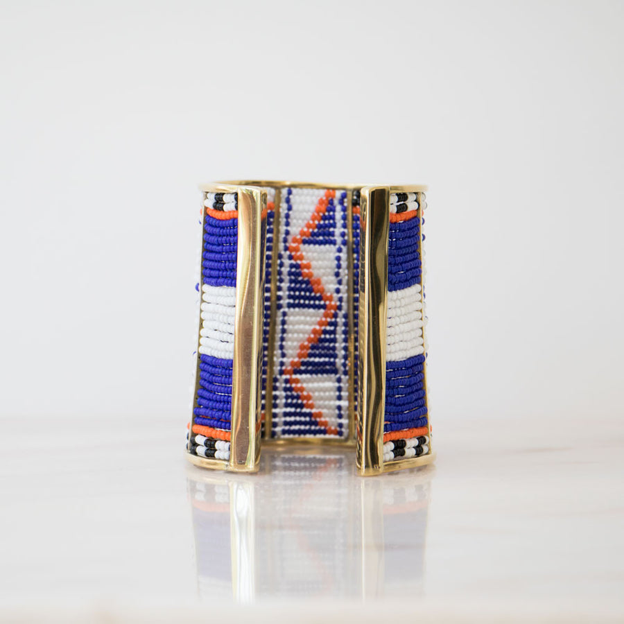 Golden cuff bracelet Maasai style handmade in Africa in the HIITU fairtrade online shop